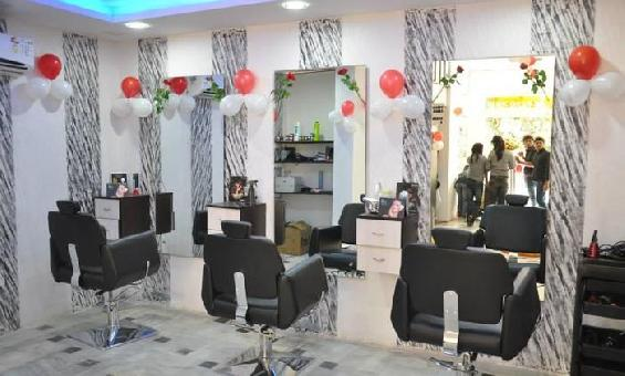 Kira Exotica Family Salon